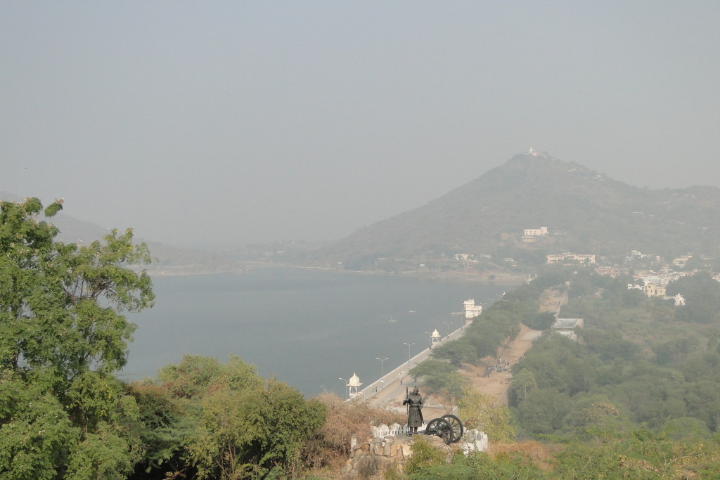 Lago Fath Sa gar, Udaipur, India