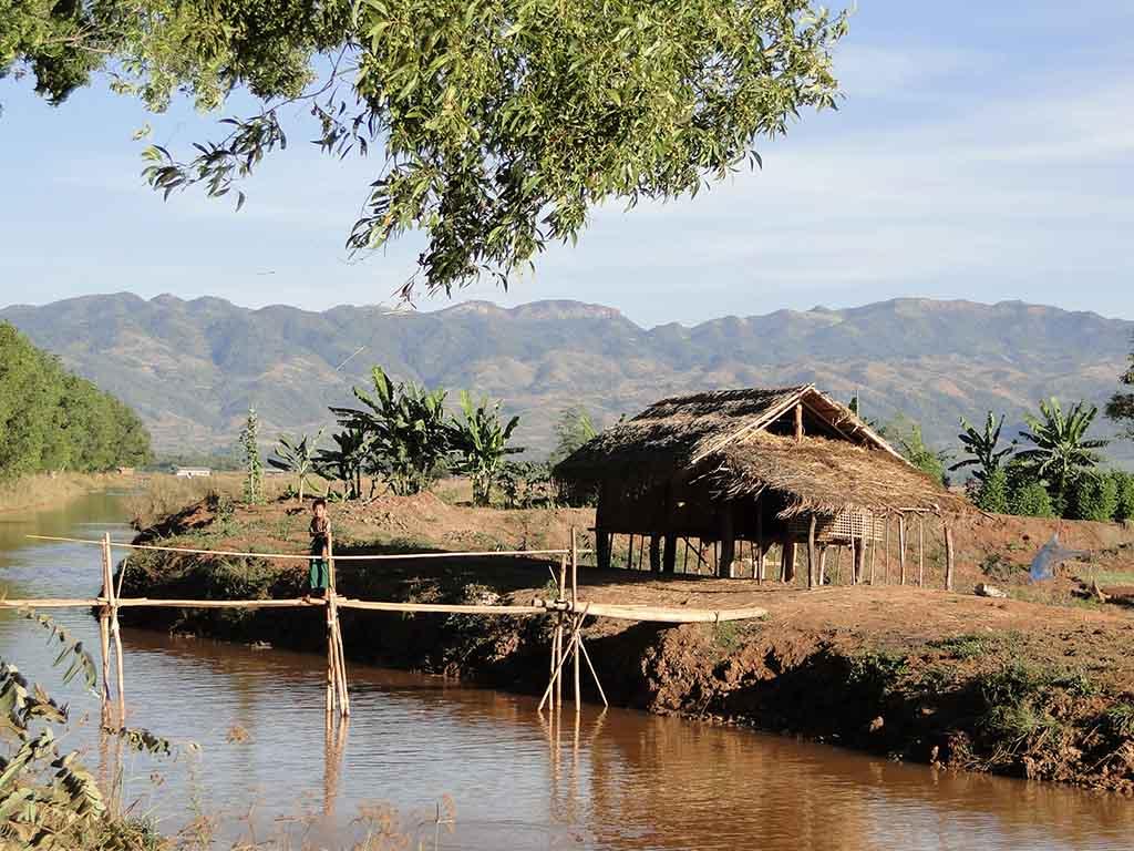 Camino desde Nyaungshwe hasta Kaung Daing
