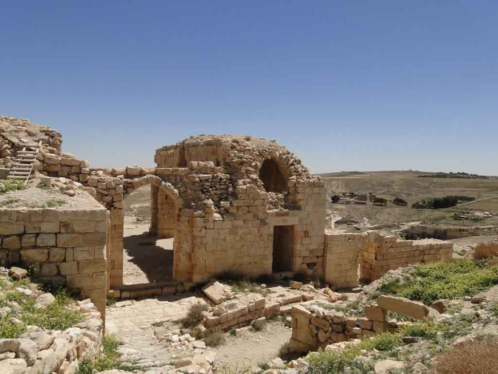 Uno de las decenas de castillo en la Carretera de los Reyes