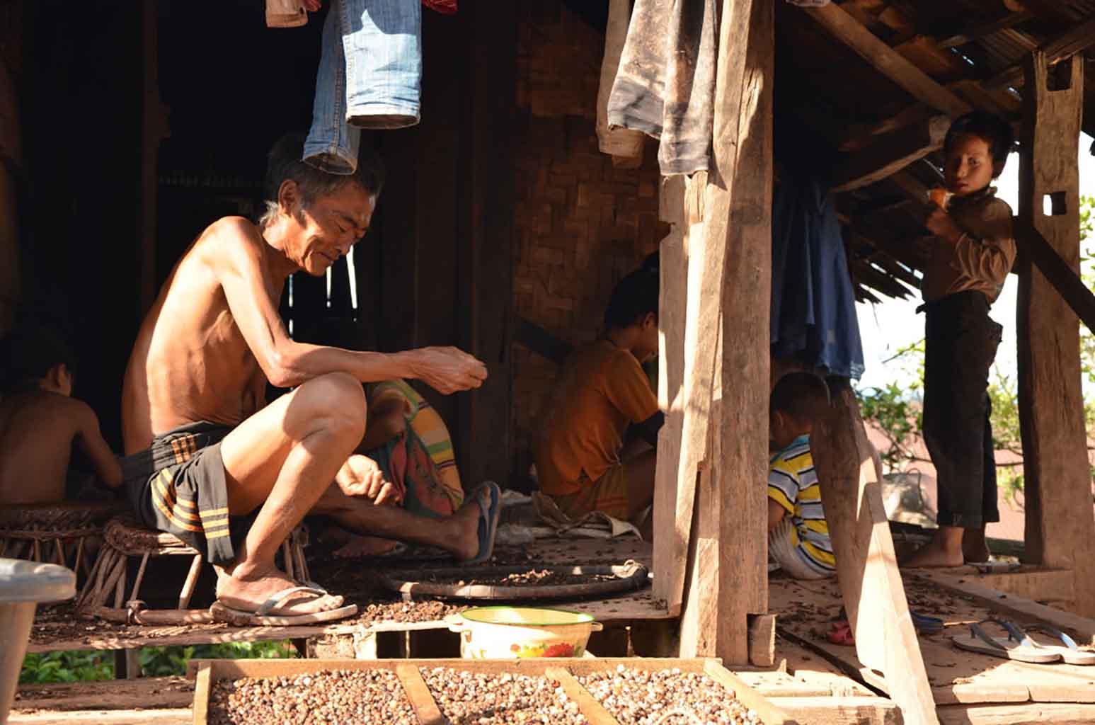 Poblado Ankha, cerca de Luang Namtha
