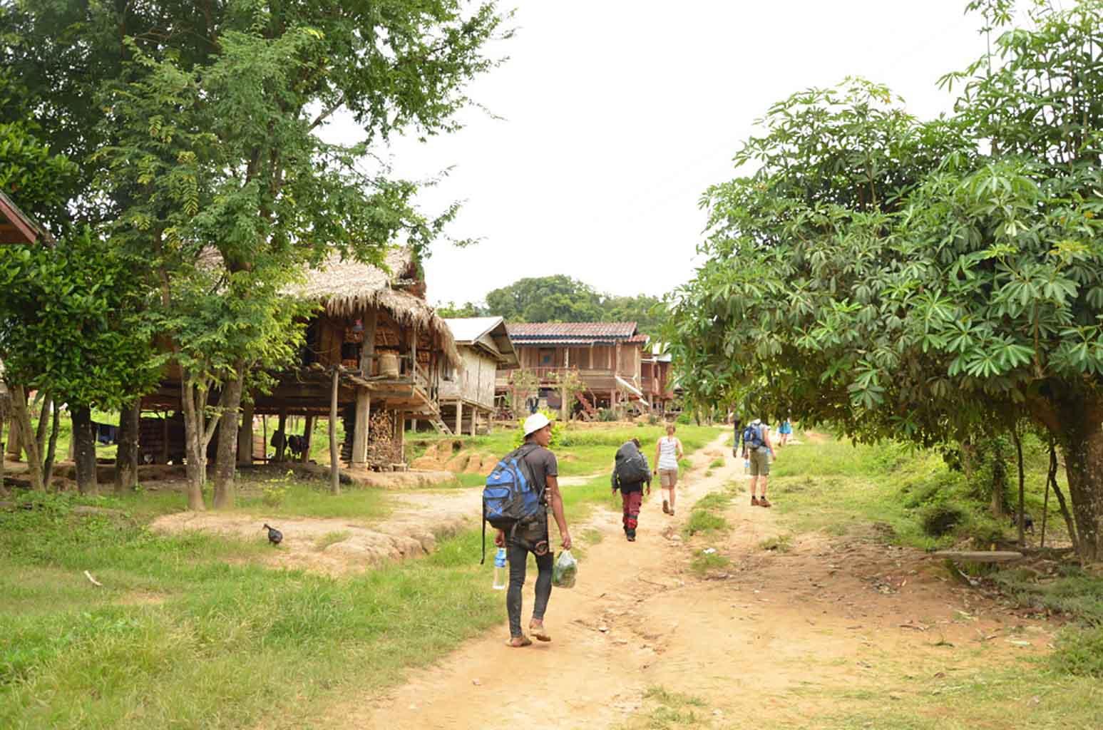 Comienzo del trekking por Luang Namtha