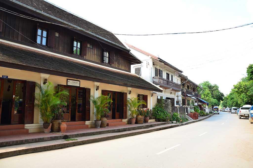 Calle de Luang Prabang con sus casas características