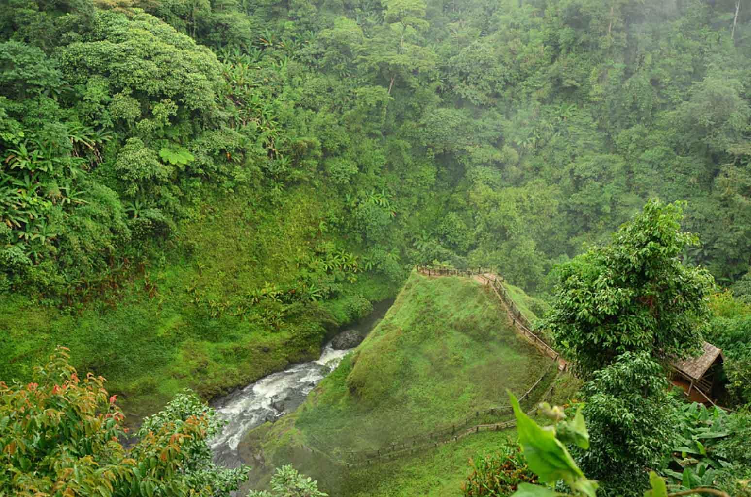 Cascada cerca de Pakson, Meseta de Bolaven