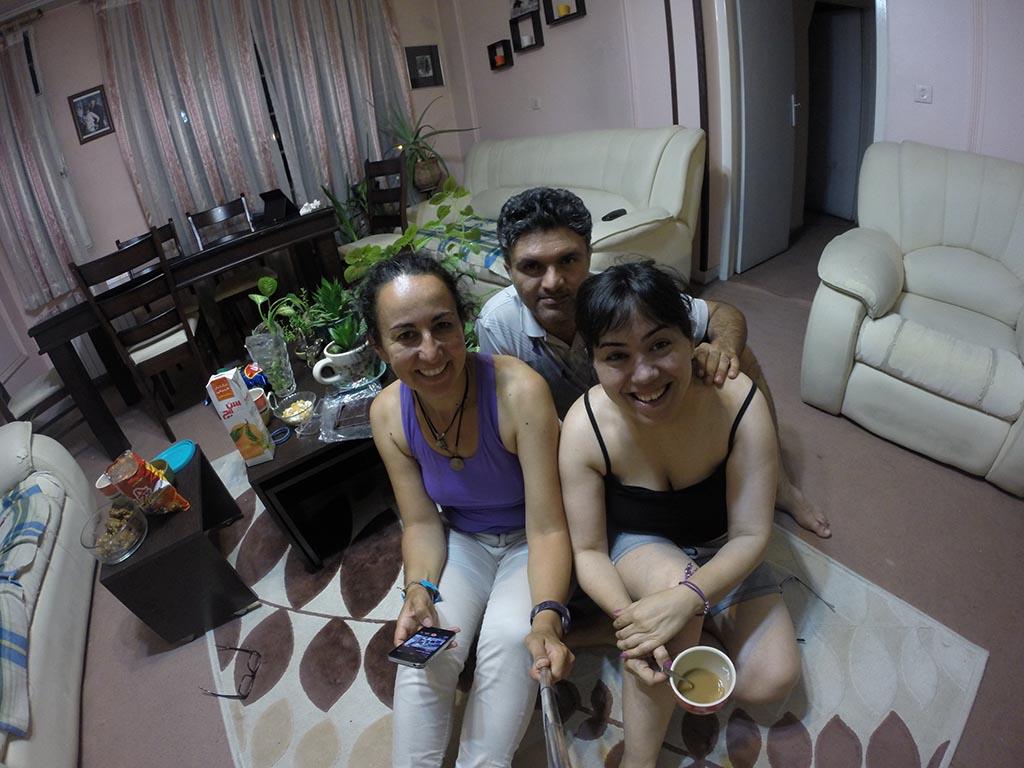 Con mis anfitriones en Teherán. Largas noches de conversaciones!