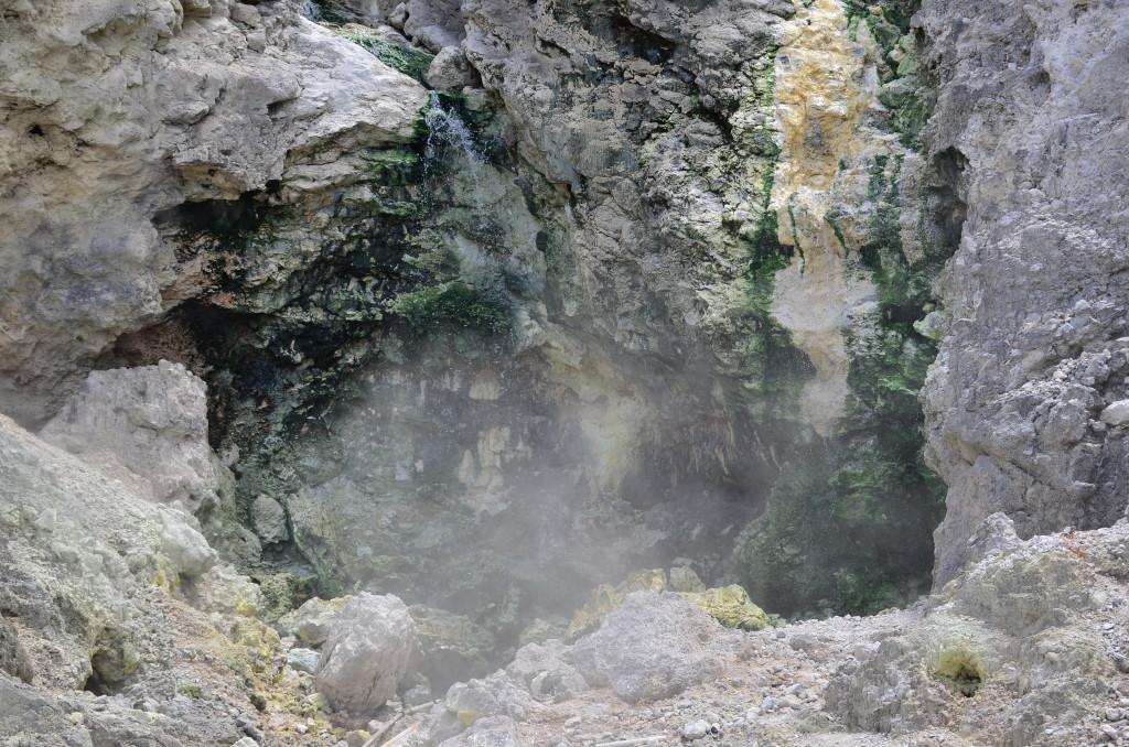 Fuente termal en el Lago Toba