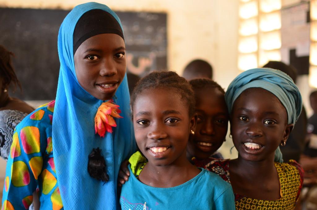 Niños en Faoye, escuela de Senegal