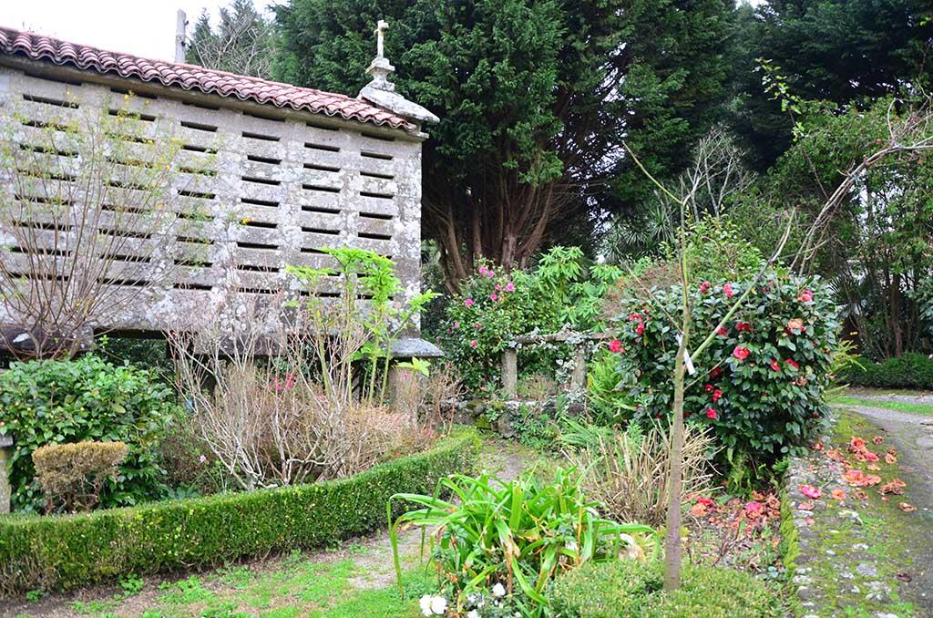 qué ver en Boiro, Arousa, Galicia, Casa das camelias