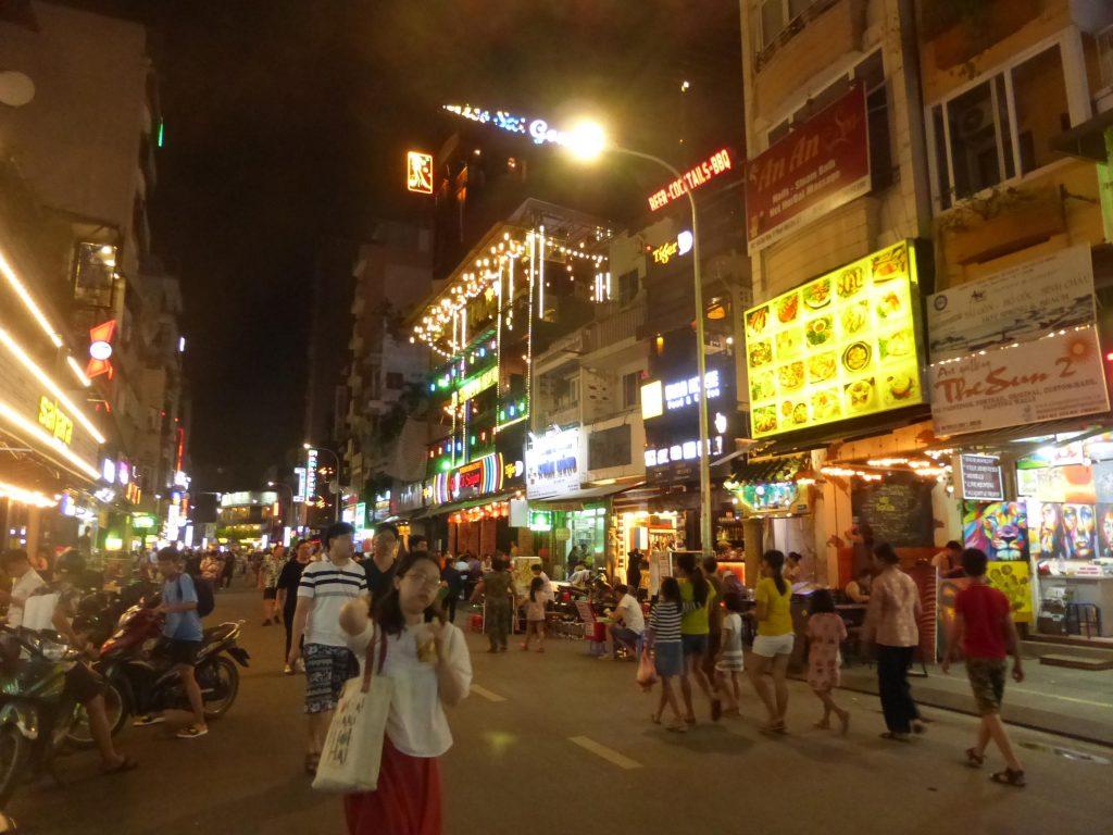 Vietnam en moto de Ho Chi Minh a Long Hai