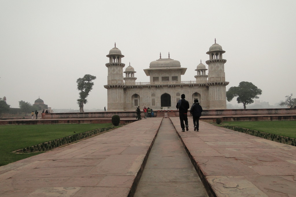 Tumba Itimad-Ud-Daulah, Agra, India