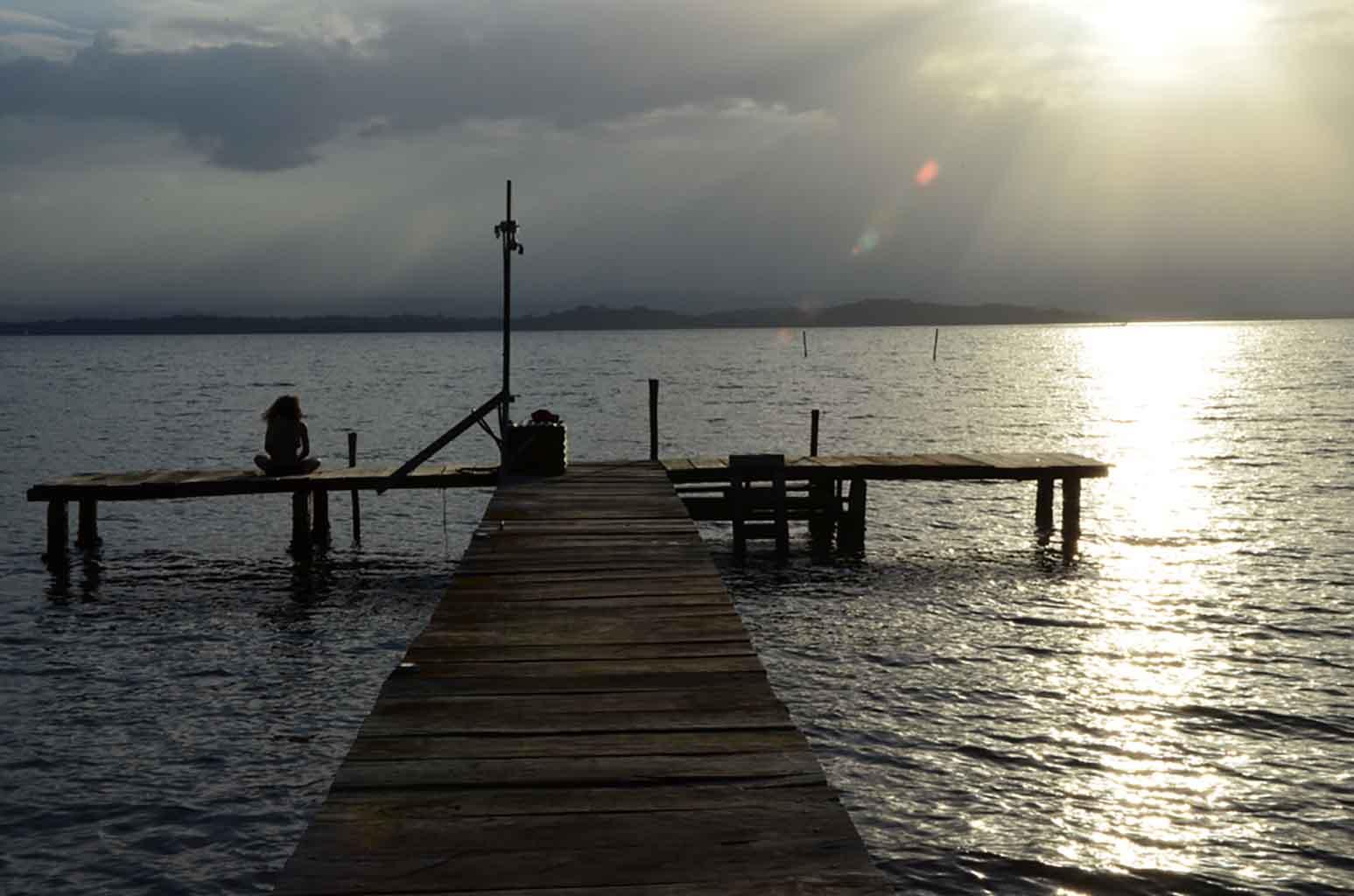Muelle desde donde poder disfrutar una preciosa puesta de sol