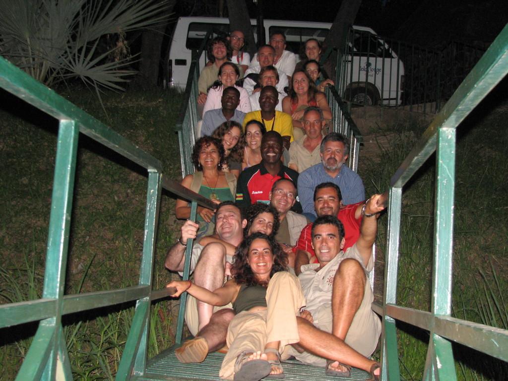 Con el grupo  y todos los trabajadores en el viaje a Botswana.